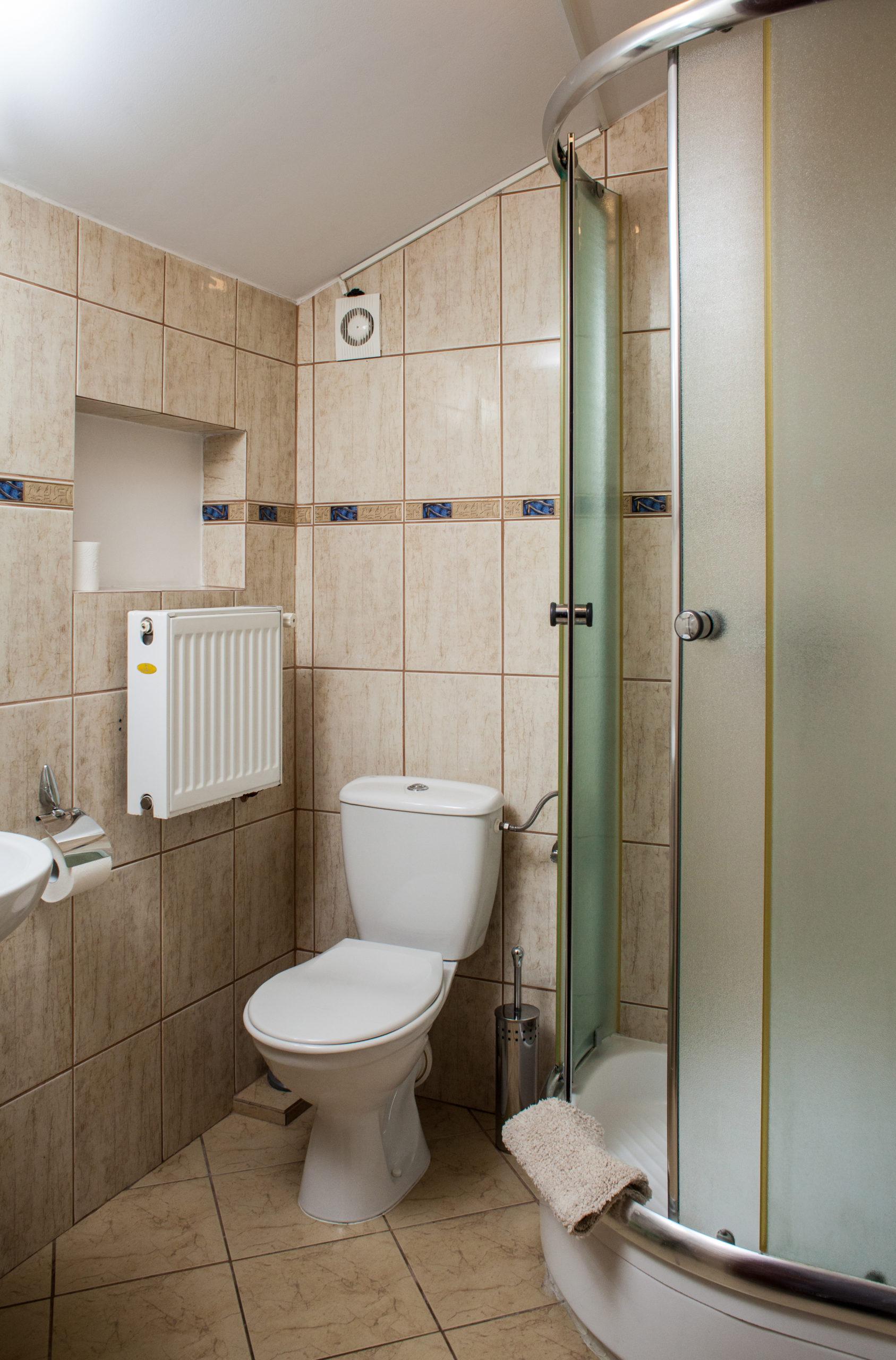 łazienka_pokój_2_osobowy_cetniewo